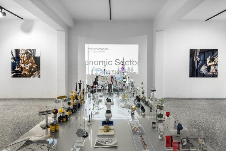 Manolis Baboussis, vue de l'installation The City guide, 2017.