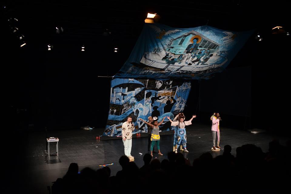 Christ Mukenge et Lydia Schellhammer, Performance avec GintersdorferKlaßen, Dialog direkt Kinshasa - Berlin, HAU2 Berlin