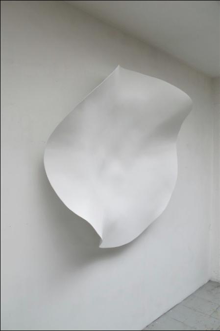 Corolle, 2012, 142 cm Courtesy Michel Mouffe